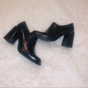Black leather chunky block heels shoes 6.5 vintage